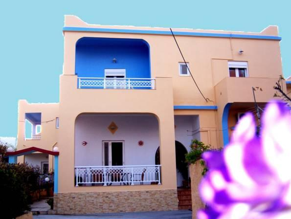 APARTMENT CAPACITY 5 TWO BEDROOMS - SELF CATERING