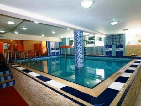 Swimming pool Hotel Diethnes