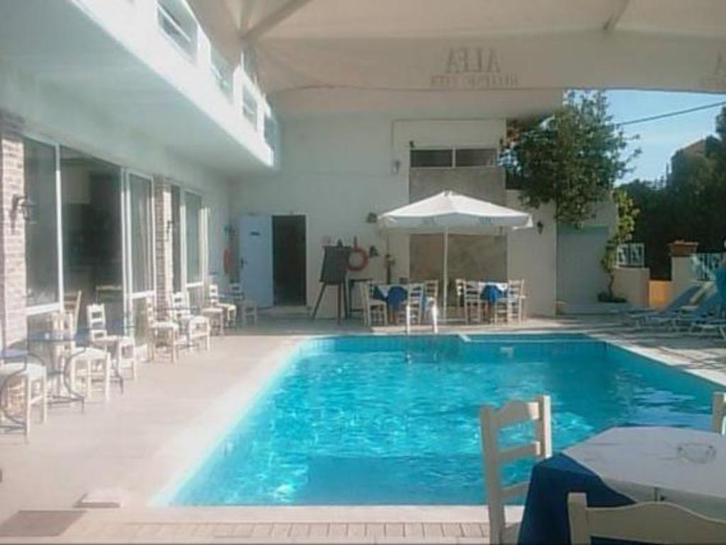 Swimming pool Naiades Almiros River Hotel