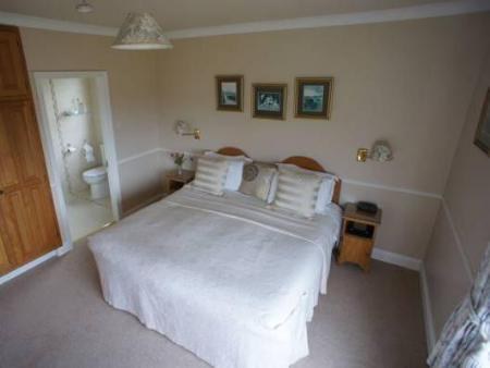 Double Room Glenorney by the Sea B&B