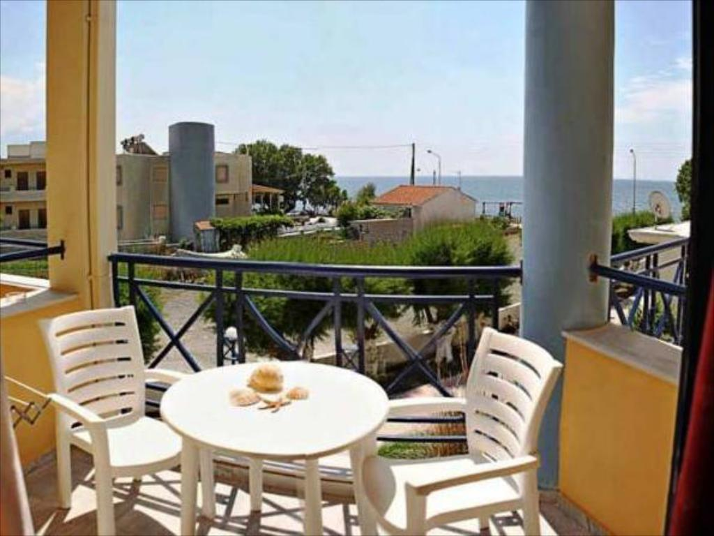 Studio - Balcony Sappho Apartments