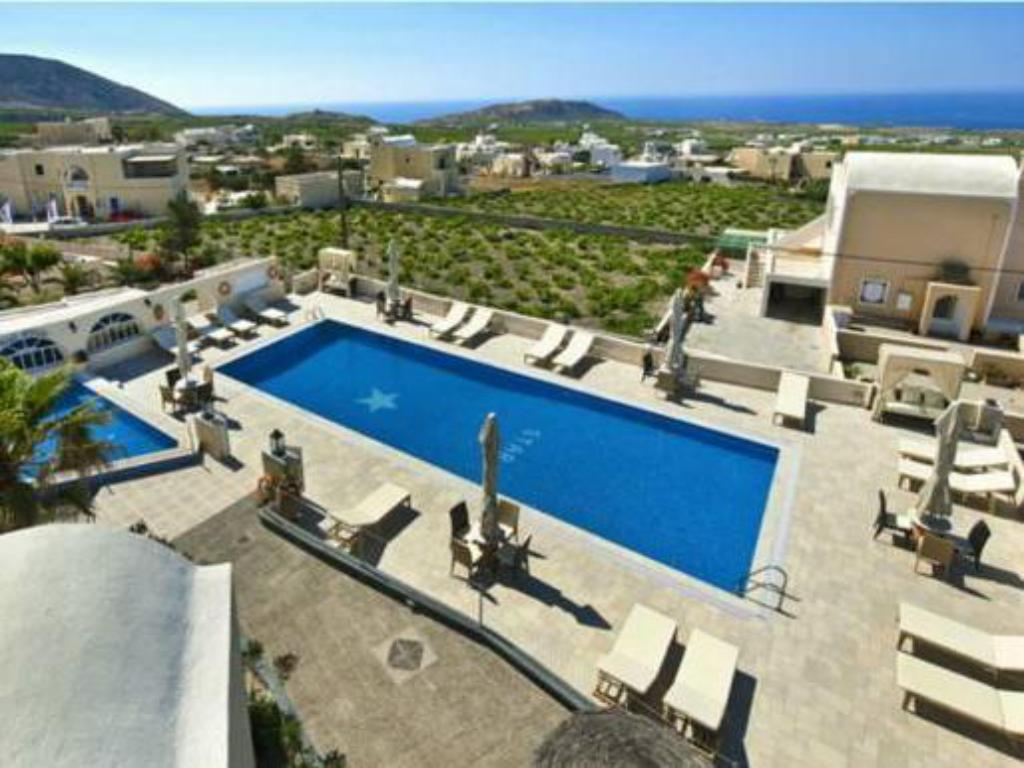 Swimming pool Hotel Star Santorini