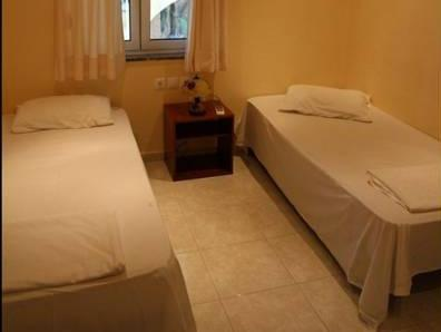 Camera Matrimoniale/Doppia con Letti Singoli con Finestra (Double or Twin Room with Window)