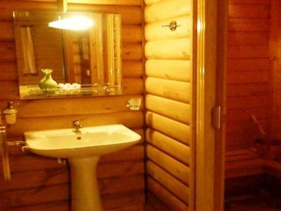 Chalet with Fireplace (5 Adults) - Split Level