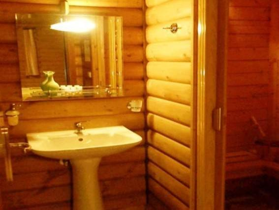 Chalet with Fireplace (2 Adults) - Split Level