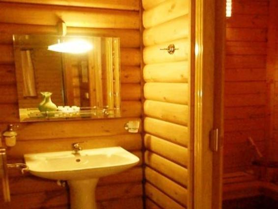 Chalet with Fireplace (4 Adults) - Split Level