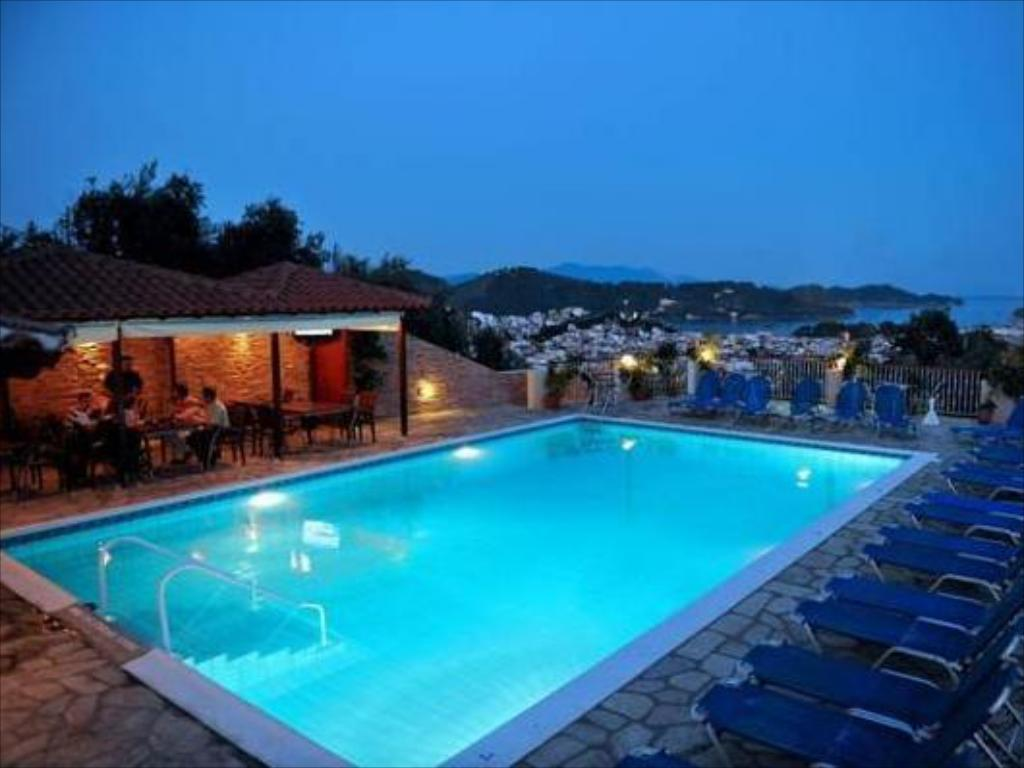 Swimming pool Poseidon Villas