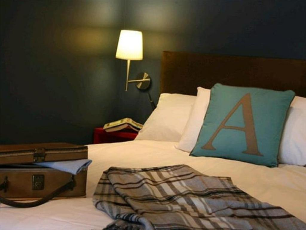 More about Adelphi Guesthouse