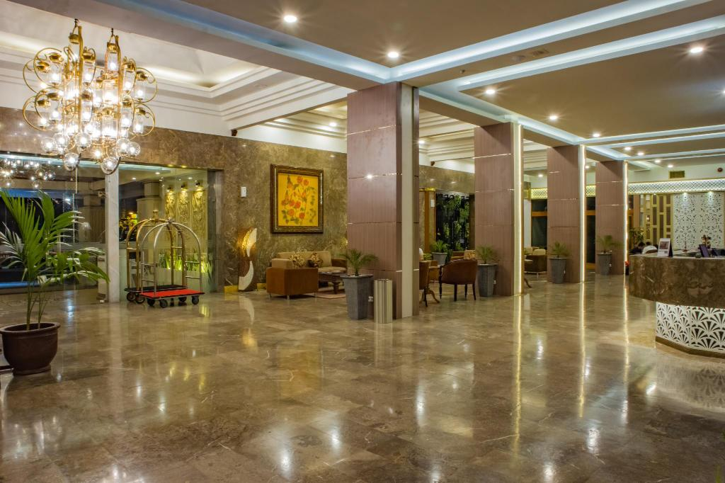 More about Grand Inna Tunjungan Hotel