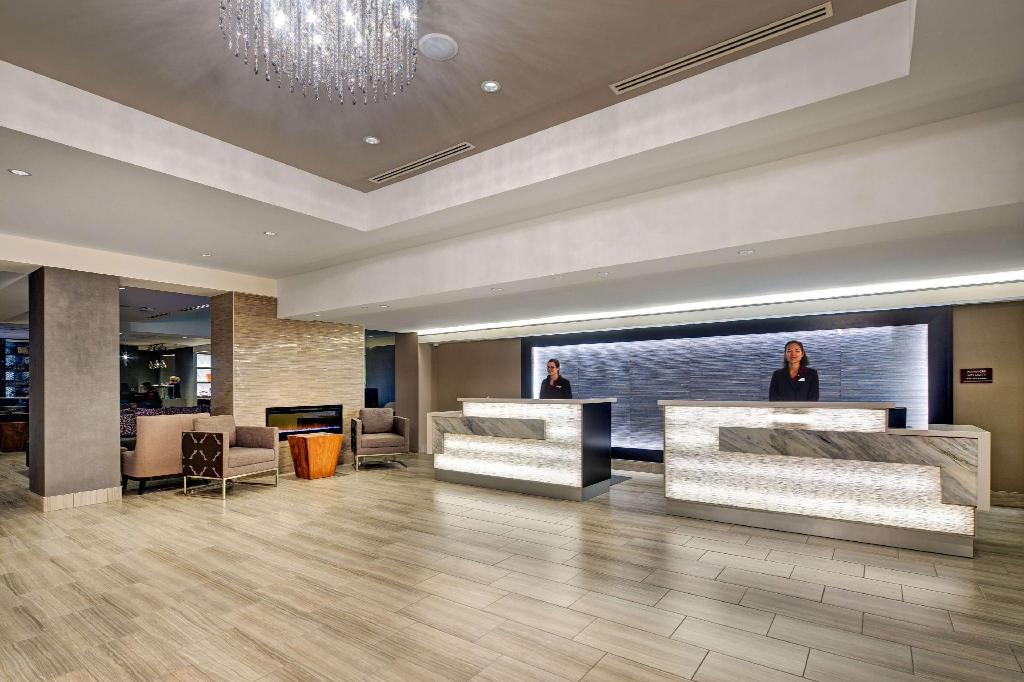 Lobby Doubletree by Hilton Halifax-Dartmouth NS