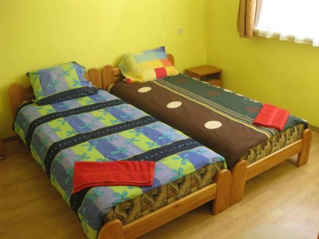 Twin Room with Shared Bathroom Guest House Mēnesnīcas