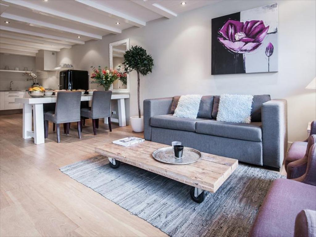 Two-Bedroom Apartment - Lounge City Centre VIP Apartments