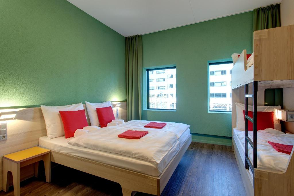 Guestroom MEININGER Hotel Amsterdam City West