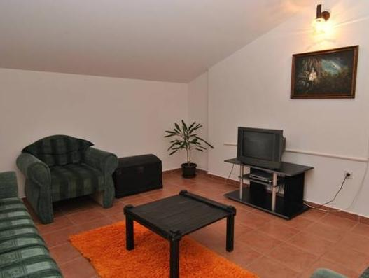 Appartamento con 2 Camere e Terrazzo (Two-Bedroom Apartment with Terrace)