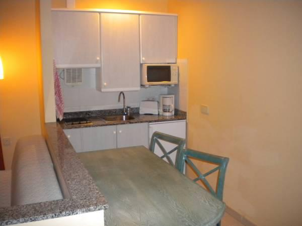 Apartament cu 1 dormitor (2 adulţi + 2 copii) (One-Bedroom Apartment (2 Adults + 2 Children))