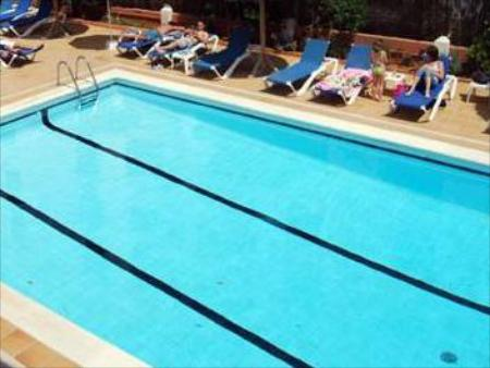 Swimming pool Apartamentos Cel Blau