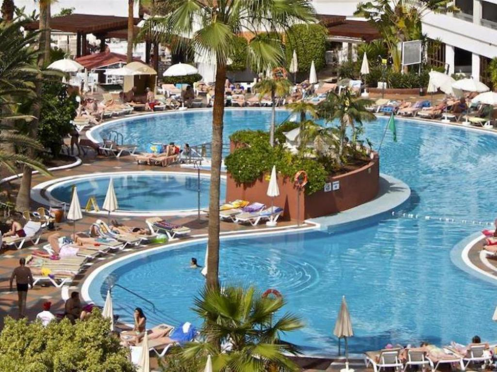 Best price on palm beach club apartment in tenerife reviews - Palm beach swimming pool ...