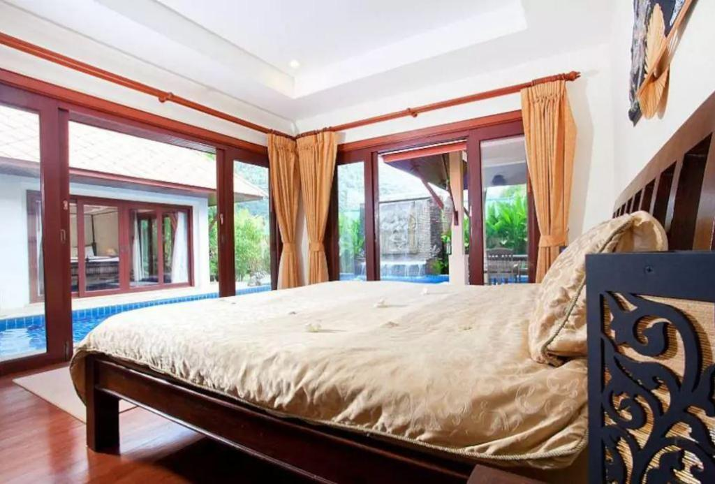 Private Villa - Bed
