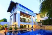 Highgrove Villa - Sleeps 10 Next to Walking Street
