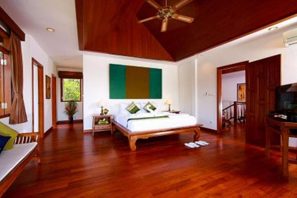Patong 5 Bedroom Luxury Pool Villa Sleeps 10
