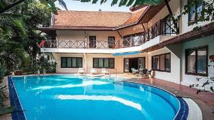 5BR Modern Thai Villa w/ Large Pool 5 min to Beach