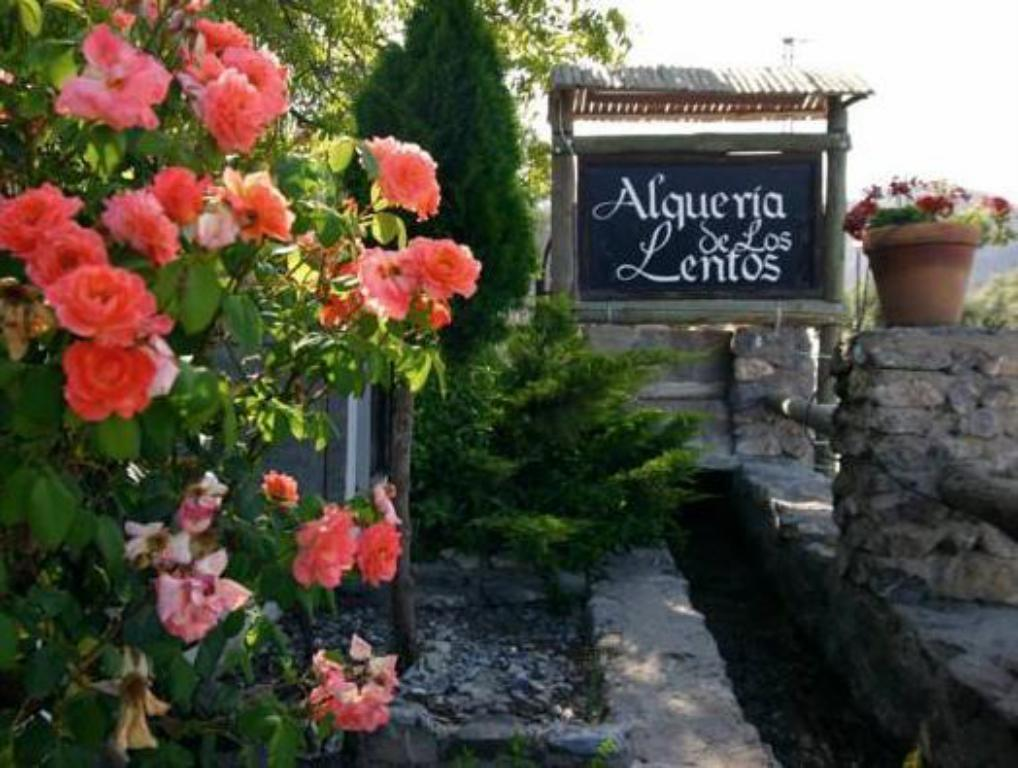 More about Alqueria De Los Lentos