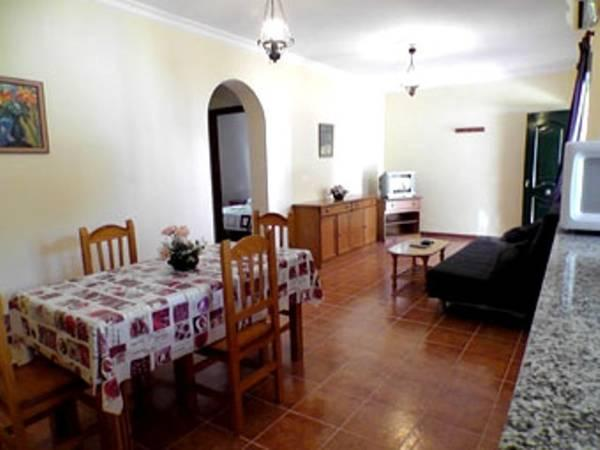 Apartament cu 2 dormitoare (8 adulţi) (Two-Bedroom Apartment (8 Adults))