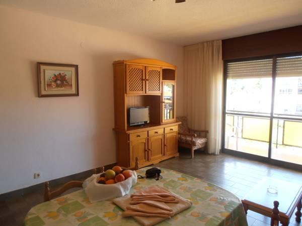 Two-Bedroom Apartment (4 Adults + 2 Children)