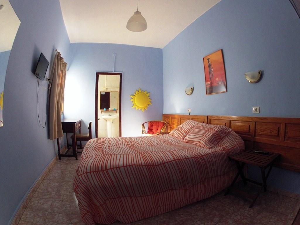 Doppelzimmer mit eigenem Badezimmer (Double Room with Private Bathroom)