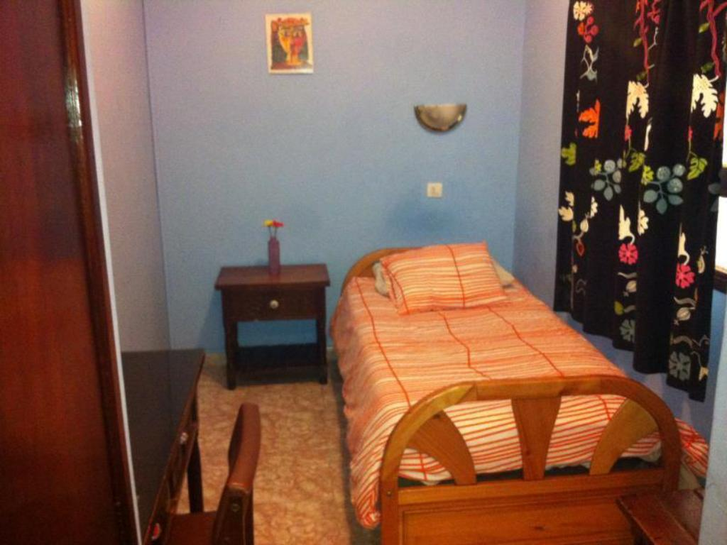 Single Room with Private Bathroom Hostal 7 Soles