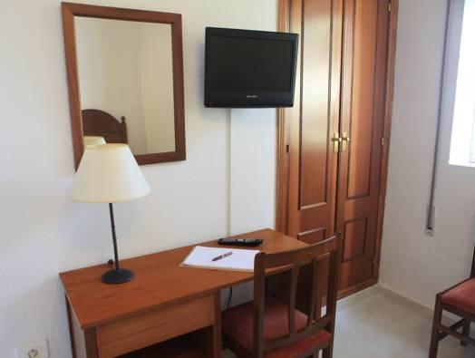 Double or Twin Room for Single Use