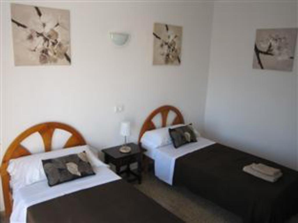 Twin Room - Guestroom Hostal Micalo