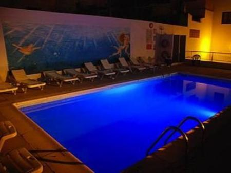Swimming pool Hostal Micalo