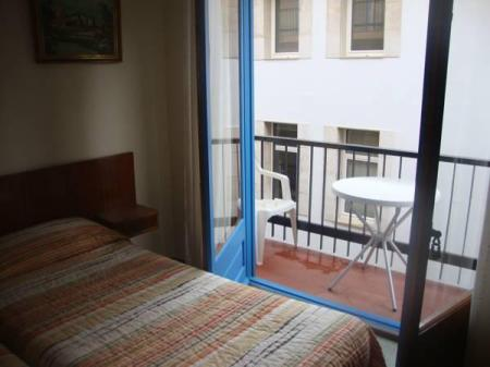 Double or Twin Room with Balcony Pensió Hostal Mediterrà
