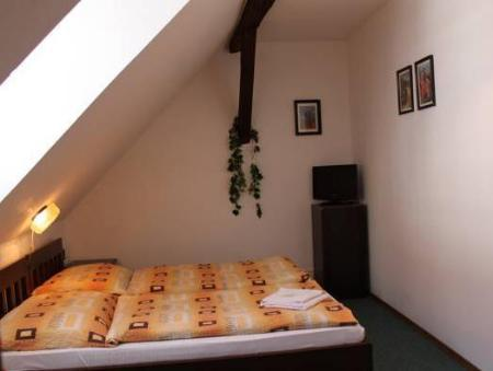 Double or Twin Room Pension Katka