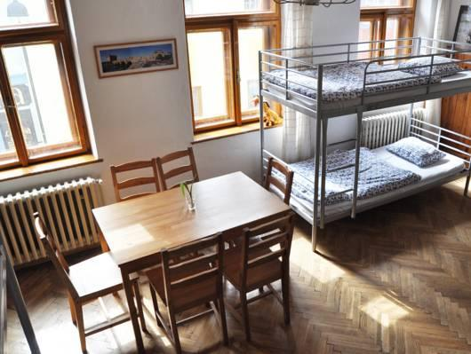 Llit a Dormitori Mixte de 6 Llits (1 Person in 6-Bed Dormitory - Mixed)