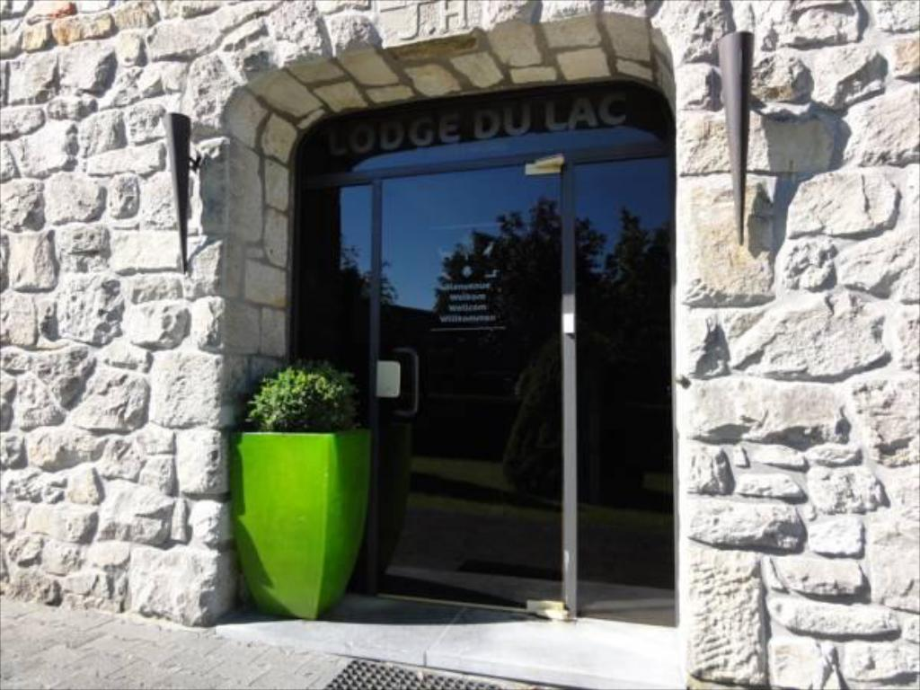 Entrance Le Lodge du Lac