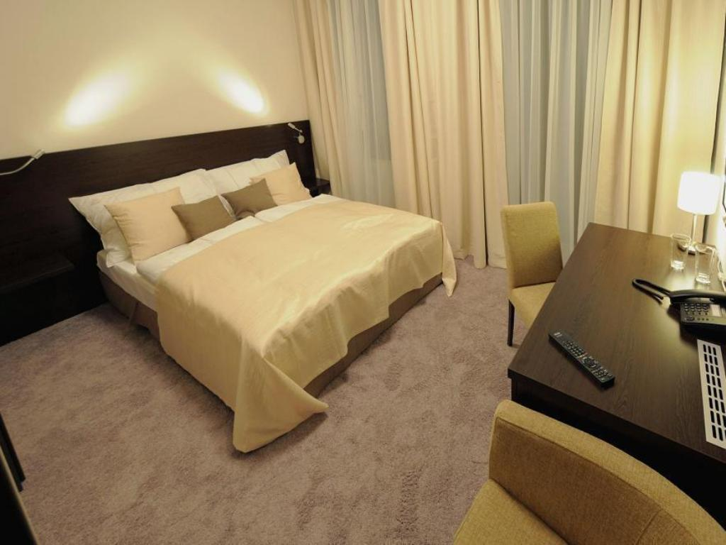 Economy Double Room Old Town Hotel