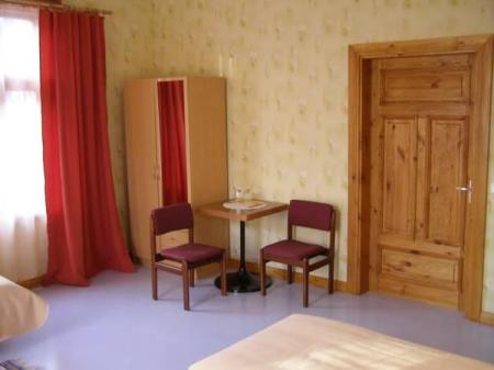 Triple Room with Shared Bathroom Tiia Guesthouse