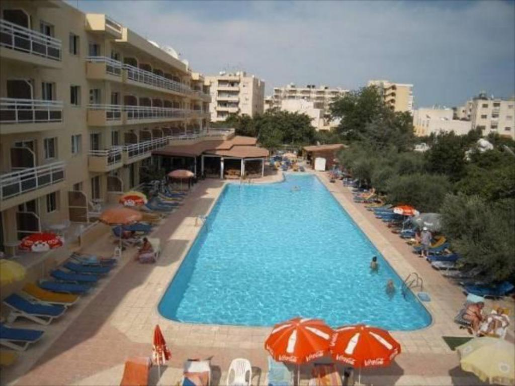 Piscina Sunquest Gardens Holiday Resort
