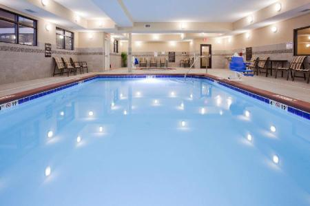 Swimming pool Homewood Suites by Hilton Davenport