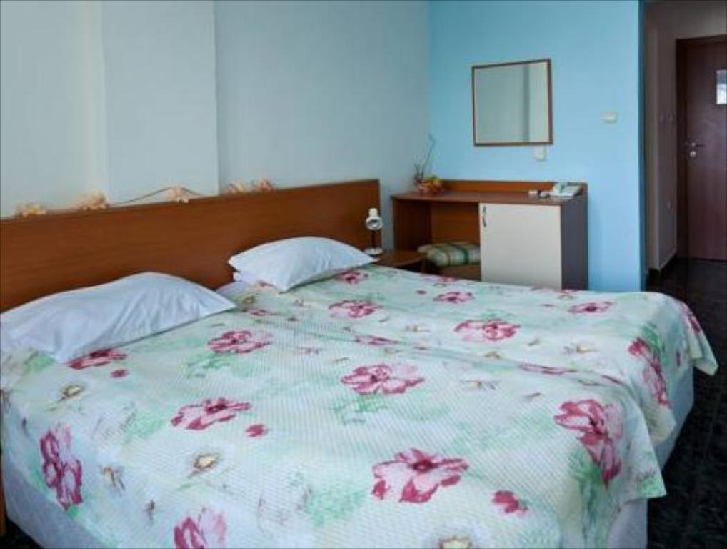 Double or Twin Room Perla Beach Hotel III