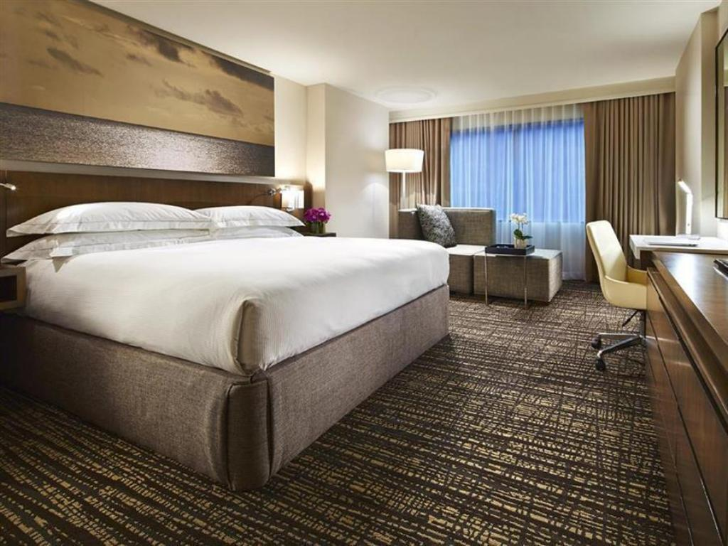 1 King Bed - Bed Hilton Mission Valley Hotel