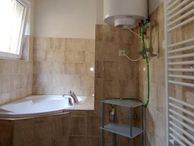 Quadrupla con Stanza da Bagno in Comune (Quad with Shared Bathroom)