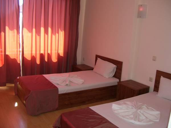 Double ili Twin soba sa balkonom (Double or Twin Room with Balcony)