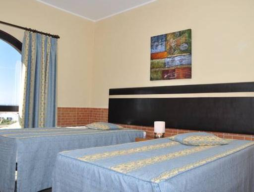Apartamento com 1 Quarto, Varanda e Vista do Jardim (One-Bedroom Apartment with Balcony and Garden View)