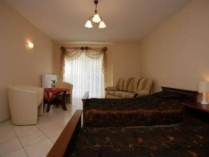 Camera Matrimoniale/Doppia con Letto Supplementare e Balcone (Double or Twin Room with Extra Bed with Balcony)