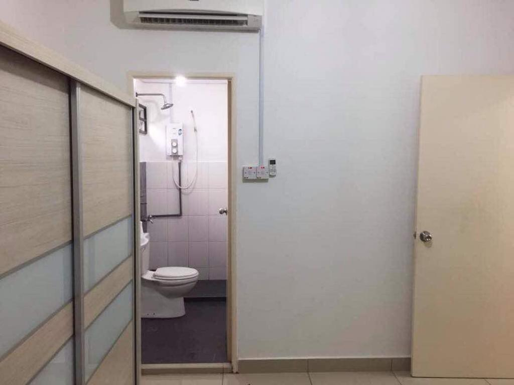Bathroom BKI Home Cyber City Phase 2