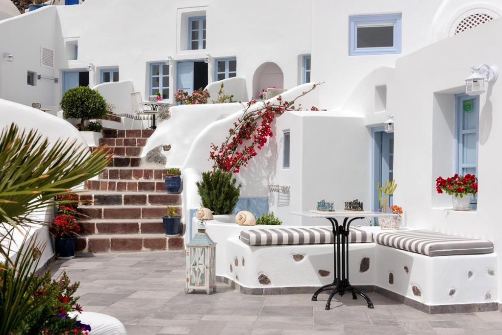 Aris Caves Santorini best price on aris caves hotel in santorini + reviews!
