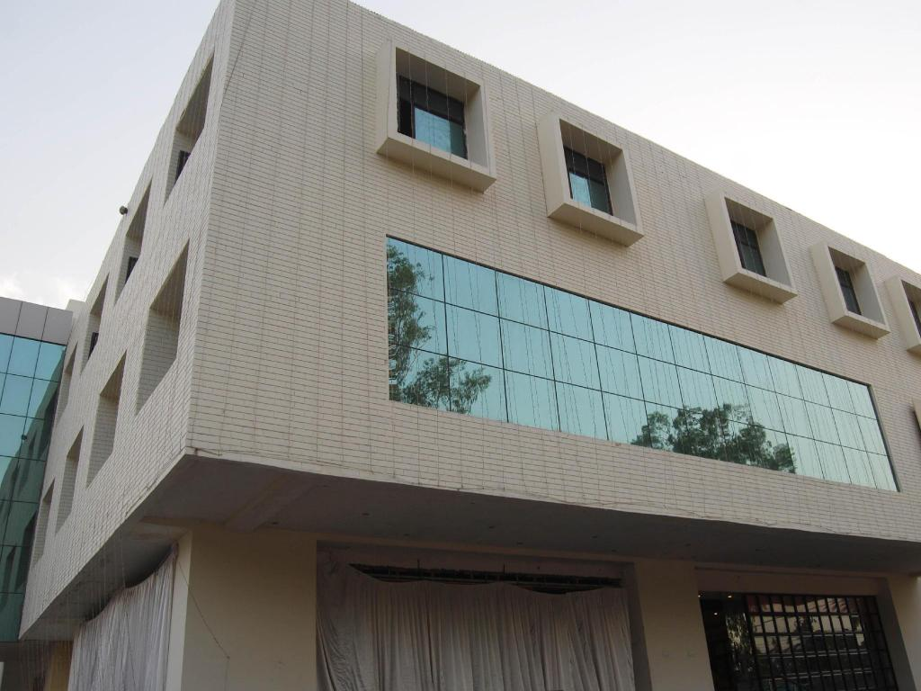 Hotel Kashvi Lucknow Hotels India Great Savings And Real Reviews